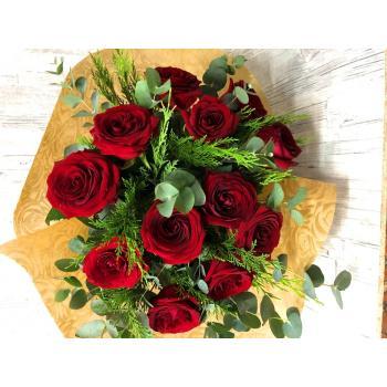 Μπουκέτο με 12 κόκκινα τριαντάφυλλα