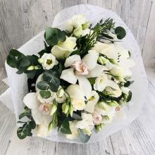 Bouquet with white colors